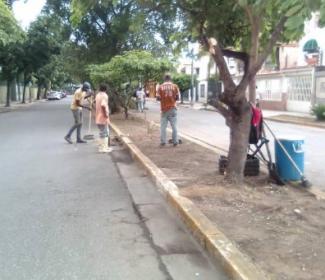 Alcaldía despliega jornada integral de limpieza en Urb. El Centro
