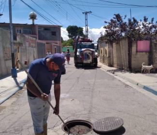 Alcaldía de Girardot restituye tapas de bocas de visita en el municipio