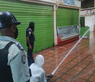 Gobierno regional y local realizan Jornada de desinfección en el Mercado Principal